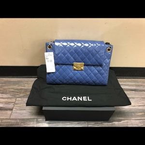 Brand New Chanel handbag Navy blue 100% Authentic